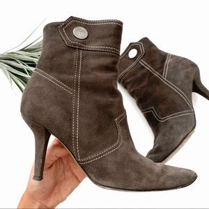 Tod's Suede Pointed Toe Ankle Boots Brown